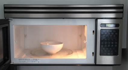 cleaning your microwave oven