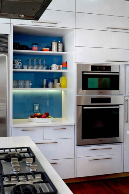 blue kitchen backsplash