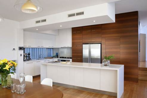two-tone kitchen by cambuild