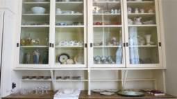 organized_kitchen_furniutre