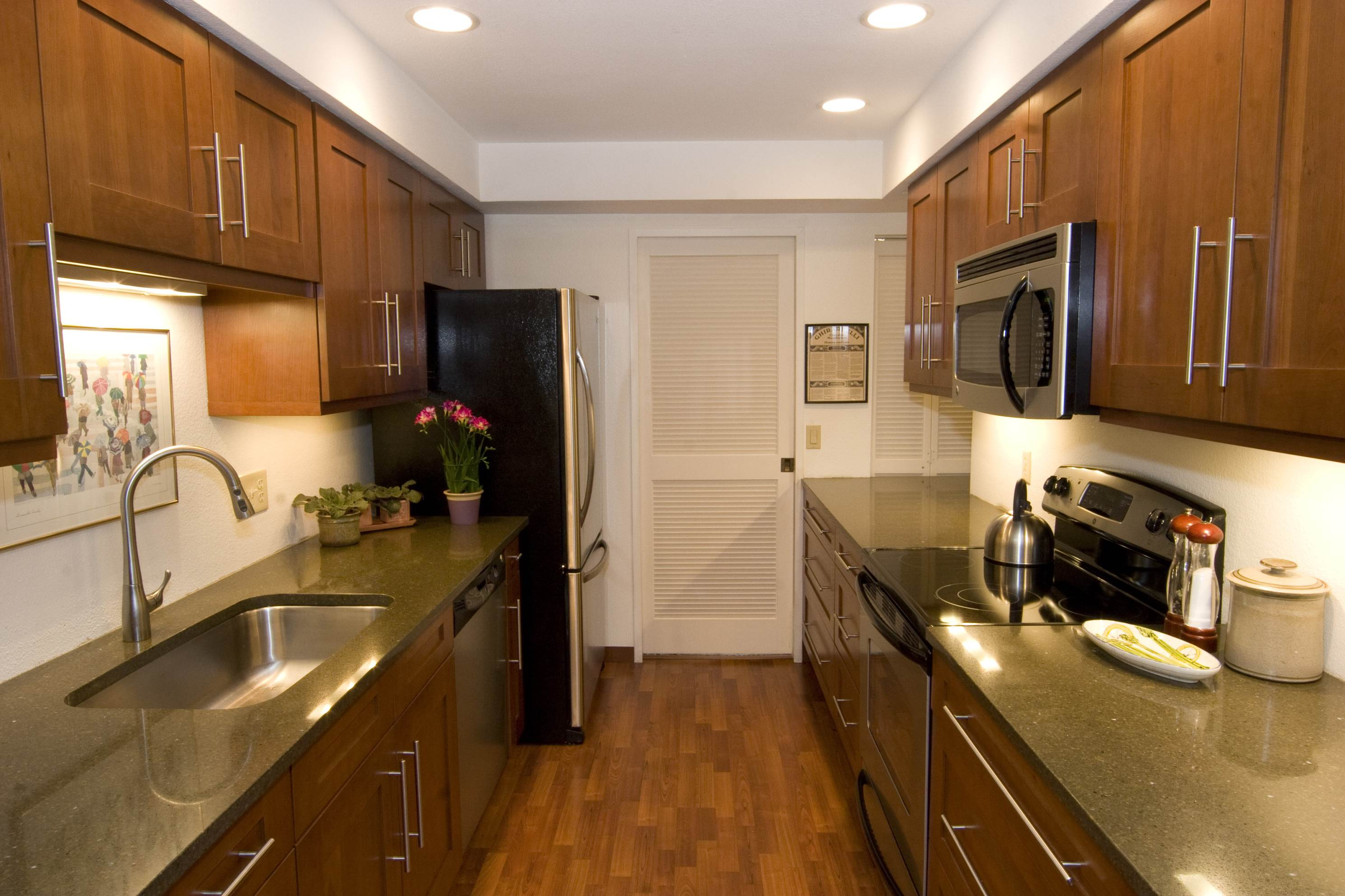 Galley kitchen designs and how to go about implementing one The